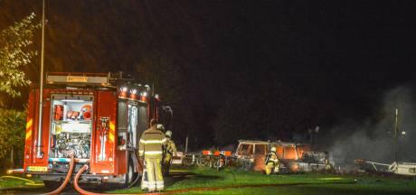 Felle brand verwoest boot in Steenwijk