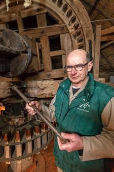Oude wieken molen De Zwaluw draaien laatste ronde