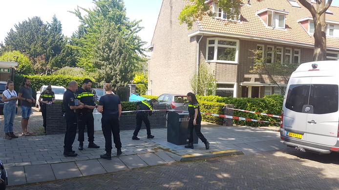 Op de Johan de Wittlaan in Arnhem werd een man neergestoken.