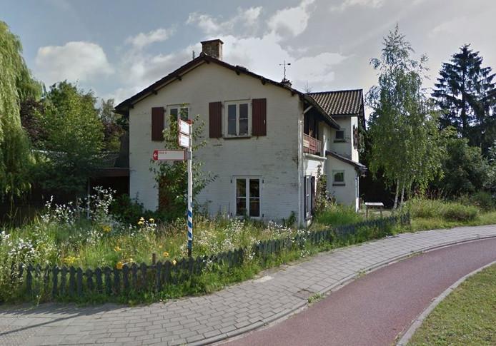 Eén van de gebouwen met achterstallig onderhoud ligt aan de Loostraat in Bemmel.