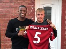 Wijnaldum reist naar Newcastle om grootste fan op Instagram te ontmoeten