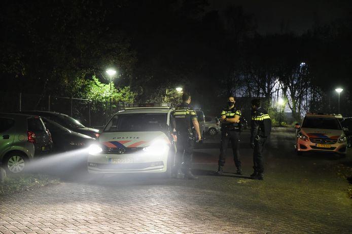 Politie rukte uit naar azc Oisterwijk nadat jonge asielzoeker met mes zwaaide.