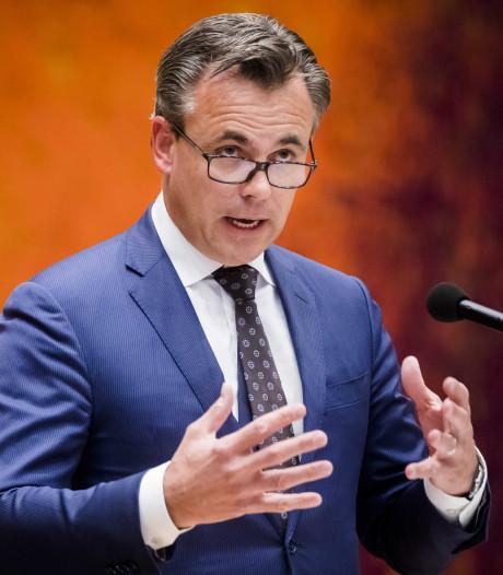 VVD: Einde aan rol politiek bij asielbesluit