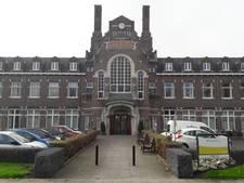 Foto-expositie voormalig ziekenhuis Kampen vindt definitief thuis in oude pand
