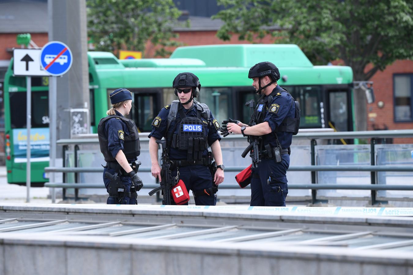 De politie heeft de omgeving rond het station van Malmö afgesloten.