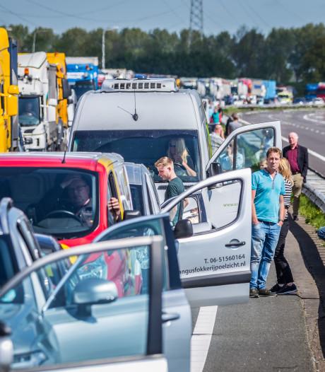 Vertraging op A29 richting Rotterdam na ongeluk