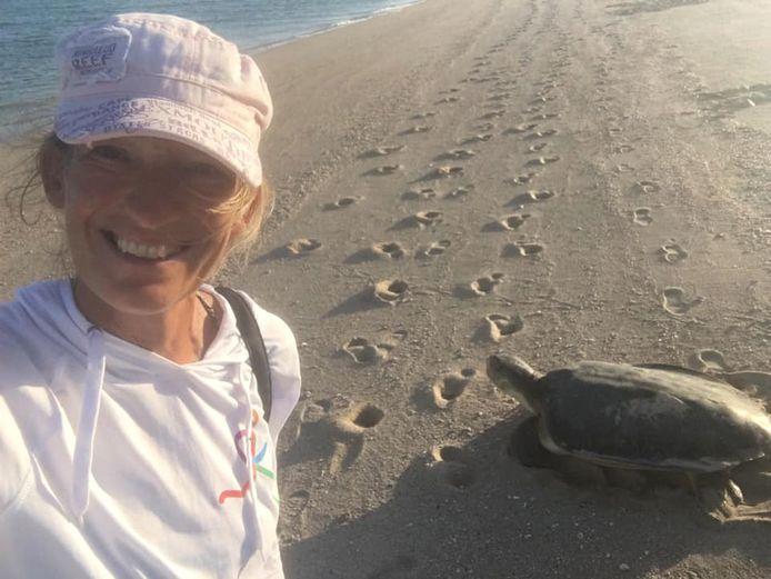 Een selfie met een van de schildpadden.