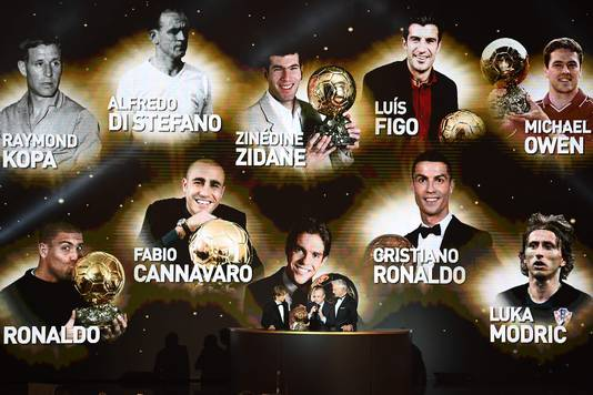 Luka Modric krijgt de Gouden Bal voor een reusachtige dia met alle voormalige Real-spelers met een Gouden Bal op zak.