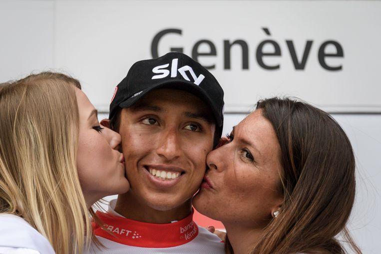 O vencedor do Tour em título, Egan Bernal, não deve mais esperar beijos das garotas do pódio.