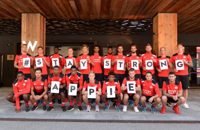 De PSV-selectie leeft mee met Abdelhak Nouri.