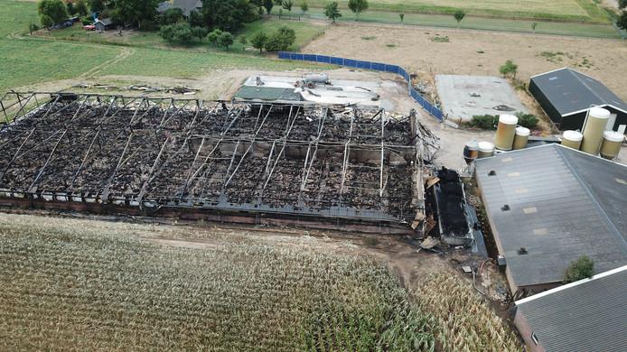 Resten van grote brand in Didam