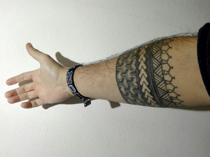 Een van de 5 tattooages die ik bezit. 3 jaar geleden laten zetten in een Polynesische style. De Escher achtige band was een idee van mijn tatoeëerder Bertina v. SwallowInk Lars van der Zeijden