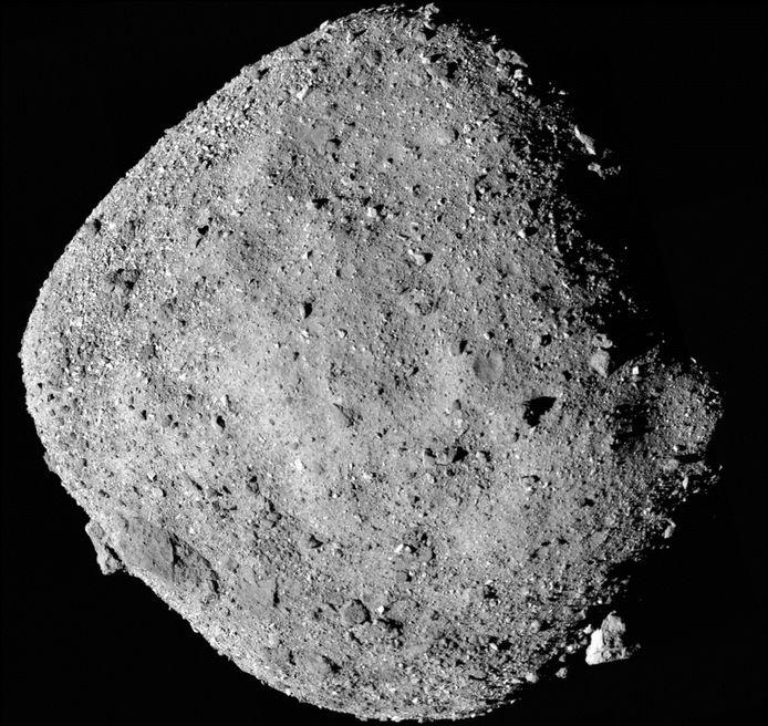 De asteroïde Bennu op een door de NASA vrijgegeven beeld.