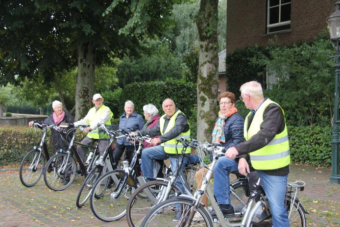 KBO-leden in Haren op de fiets.