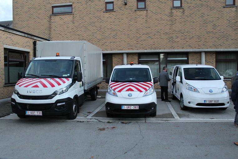 De drie nieuwe voertuigen van de gemeente.