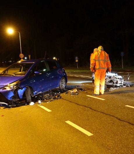 Motorrijder gewond na botsing met auto in Mariënberg