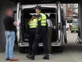 Grote controle politie, douane en belastingdienst aan Stijn Streuvelstraat in Etten-Leur