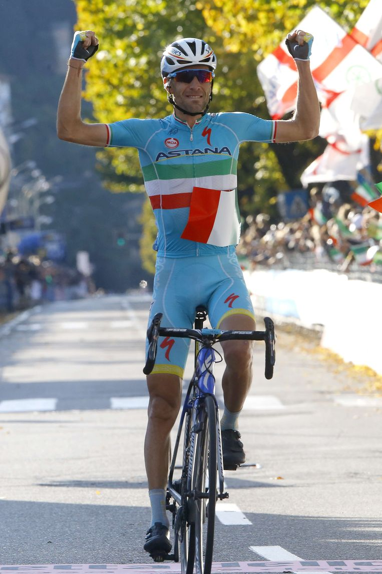 Italiaans kampioen Vincenzo Nibali rijdt met Campagnolo. Beeld null