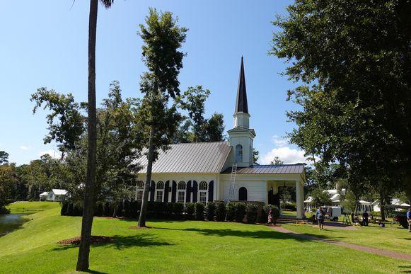 Een ander zicht op het kerkje