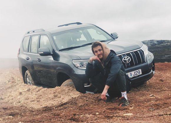 Alexander Tikhomirov, een Russische reisblogger, kreeg begin deze maand bakken kritiek nadat hij in IJsland offroad had gereden.