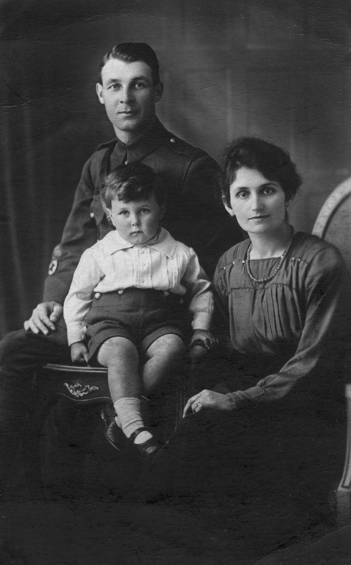 Sergeant Maurice S. Pepper, die om het leven kwam toen de bommenwerper waar hij inzat in de Tweede Wereldoorlog neerstortte in het Limburgse Echt.