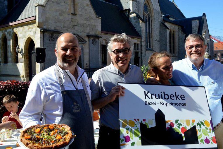 Kris De Roy, burgemeester Jos Stassen, Gina Miurin en Frank Fol bij de award voor Gemeente van Groenten en Fruit 2018.