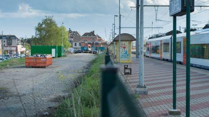 Treinverkeer stilgelegd na aanrijding aan station