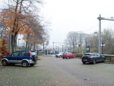 Treinreizigers Raalte en Heino moeten nog even wachten op extra parkeerruimte bij station