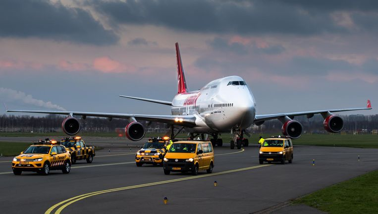 De 'Corendon- Jumbo' bij aankomst op Schiphol, half december. Deze week wordt de gigant in vijf dagen van Schiphol-Oost naar Badhoevedorp verplaatst. Beeld Corendon
