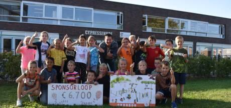 Leerlingen rennen geld bij elkaar voor nieuw schoolplein
