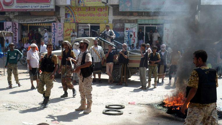Archiefbeeld. Protest in de provincie Abyan tegen schade die gevechten tussen de coalitie en AQAS hebben veroorzaakt. Beeld epa