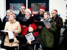 Kerstkorenfestival Almelo zoekt voor optreden op markt nog zangers