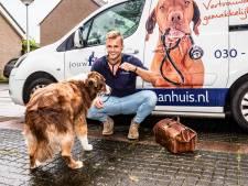 Deze dierenarts rijdt de regio af voor huisbezoeken: 'Ik geef nooit zomaar een spuitje'