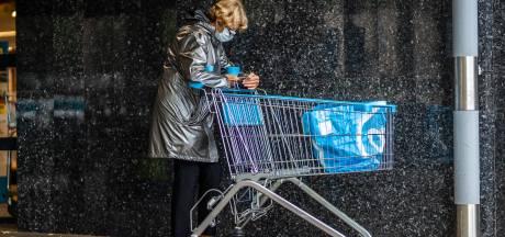 Mondkapjes nog lang niet ingeburgerd in Arnhem: 'Ik krijg het er benauwd van'
