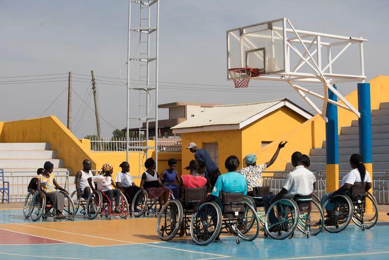 Een training van de rolstoelbasketballers in Juba, de hoofdstad van Zuid-Soedan. Beeld Samir Bol
