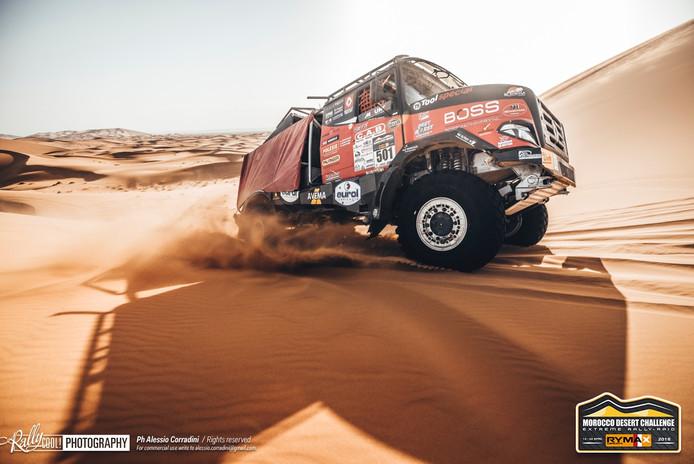 Vick Versteijnen in actie tijdens de Morocco Desert Challenge.