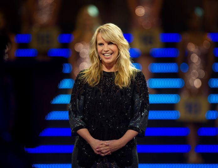 Presentatrice Linda de Mol bij de opnamen van de Postcode Loterij Miljoenenjacht.
