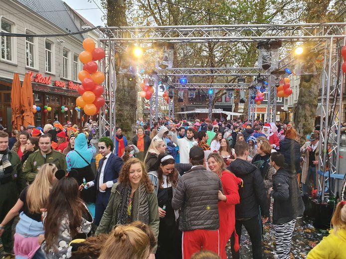 Gezellig druk op de Markt in Breda.