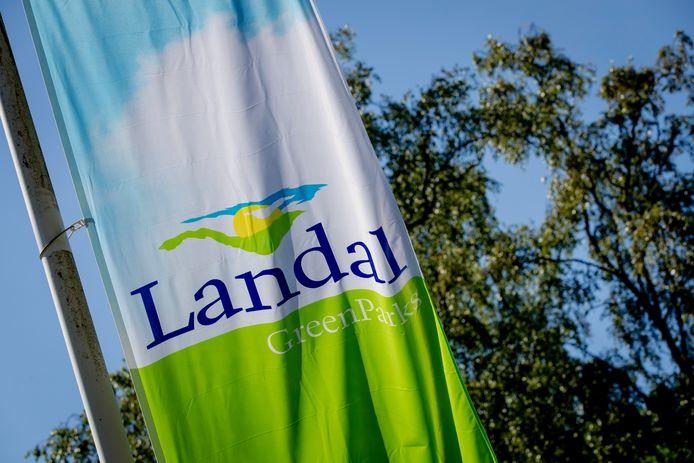 Het COA huurt langer vakantiehuisjes van Landal voor de huisvesting van statushouders.