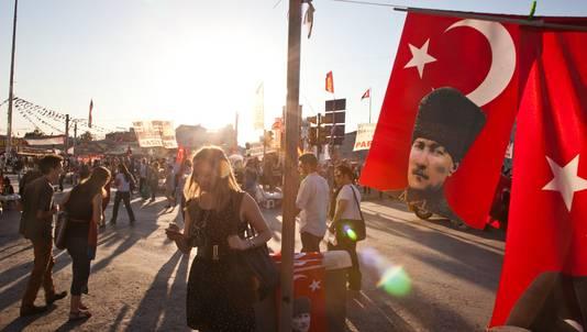 Turkse demonstranten op het Taksimplein, gisteren