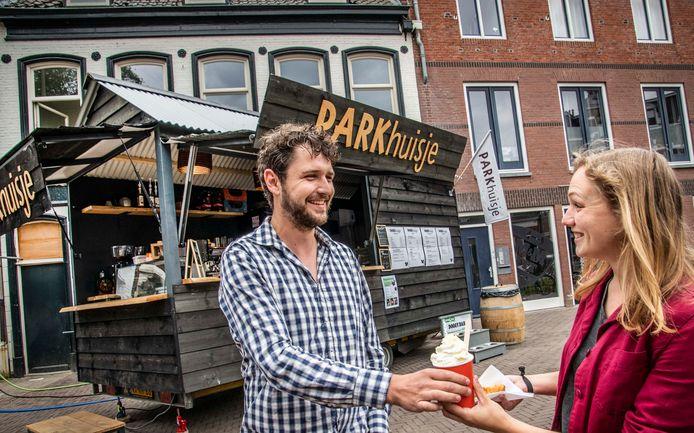 Wessel Verhoeven stalt zijn mobiele parkcafé komende maand in het Wilhelminapark.