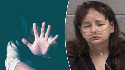 """Amerikaanse moeder in cel op beschuldiging van gruwelijke mishandeling: """"Ze kookte puppy's en deed kinderen toekijken"""""""