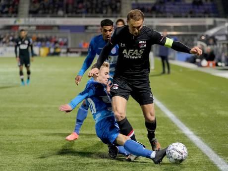 Arne Slot en AZ duwen PEC Zwolle onder de degradatiestreep