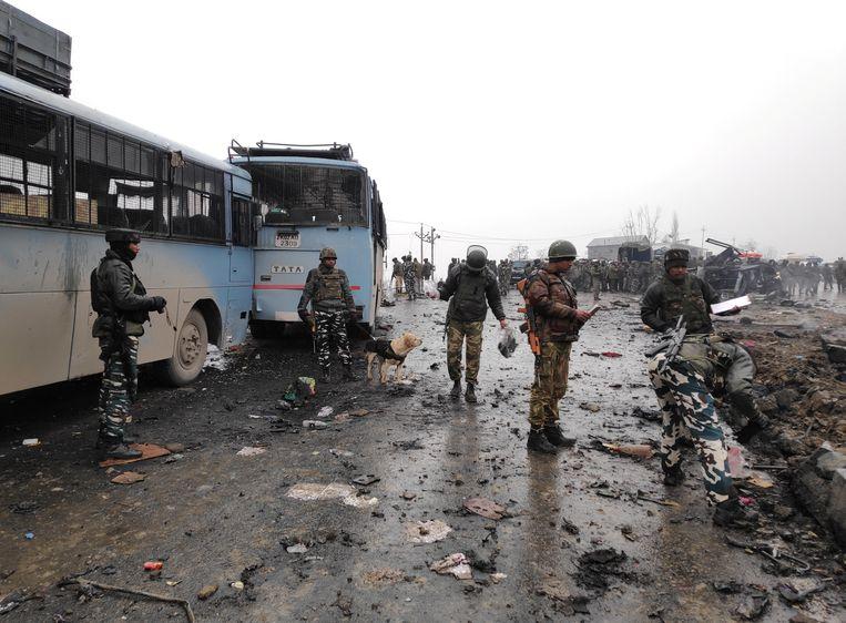 Bij de bomaanslag in het zuiden van Kasjmir vielen veertig doden.