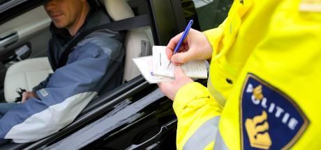 Liegende man uit Lelystad valt door de mand bij politiecontrole: meteen cel in en auto kwijt