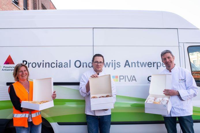De PIVA schenkt koffie koeken aan de ophaaldienst van Antwerpen