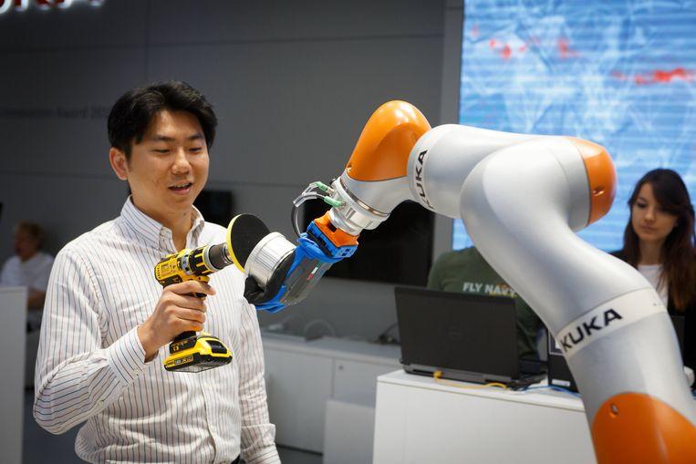De Duitse robotfabrikant Kuka is een van de technologiebedrijven die China in Europa opkocht. Beeld Hollandse Hoogte / Imago Stock & People GmbH