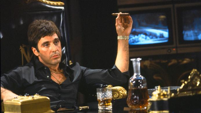 Still uit de film Scarface met Al Pacino.