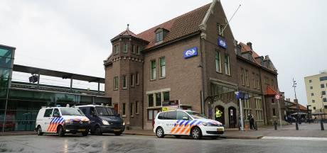 Man vergelijkt in Deventer spoorpersoneel met nazi's en weet niet van ophouden