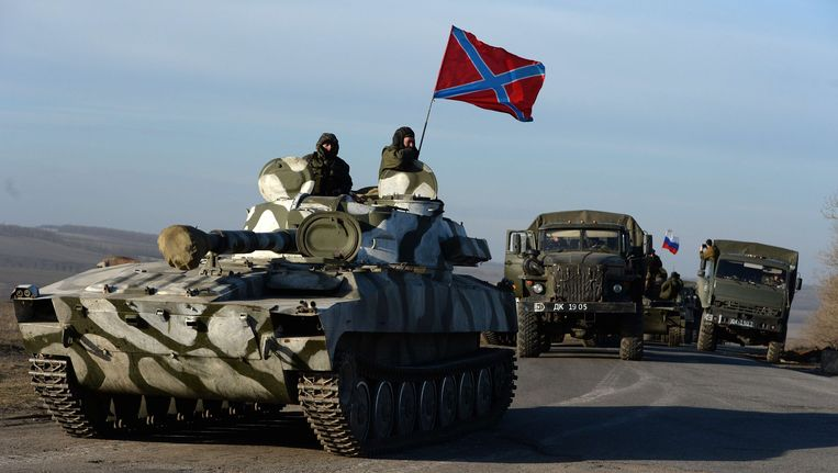 Pro-Russische strijdkrachten verlaten het front.